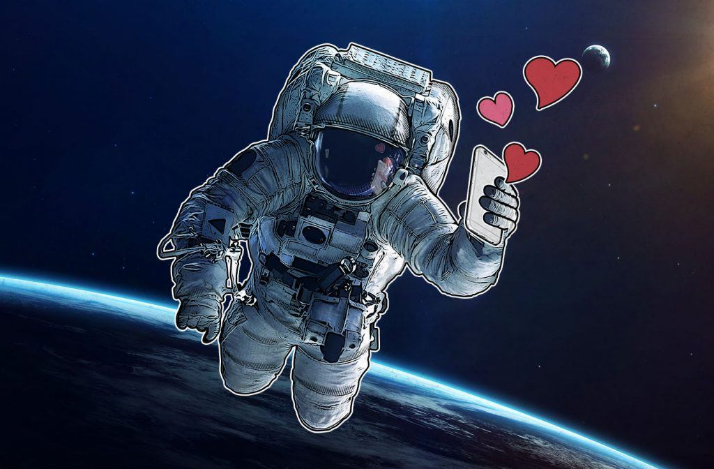 Tinder_in_space